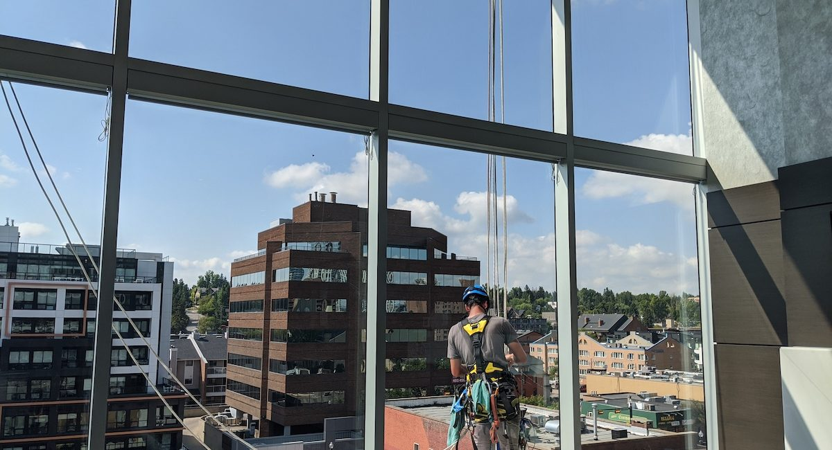 Rope Access - Valiant Solutions 11